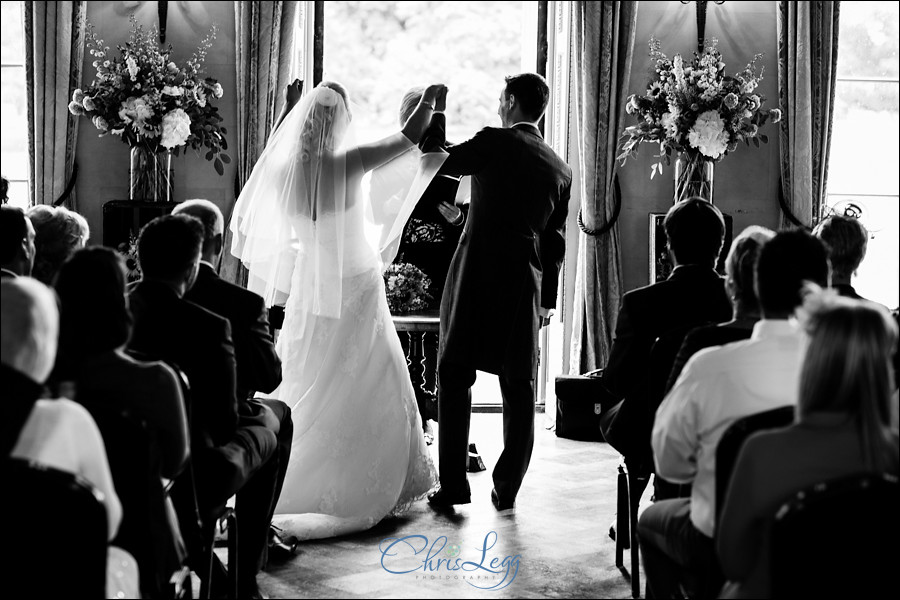 Hampton Court House Wedding Photography 019