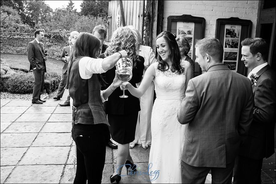 Ufton Court Wedding Photography 040