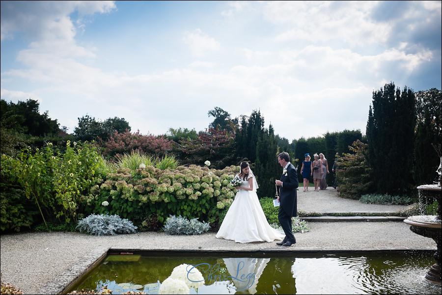 Loseley Park Wedding Photography 040